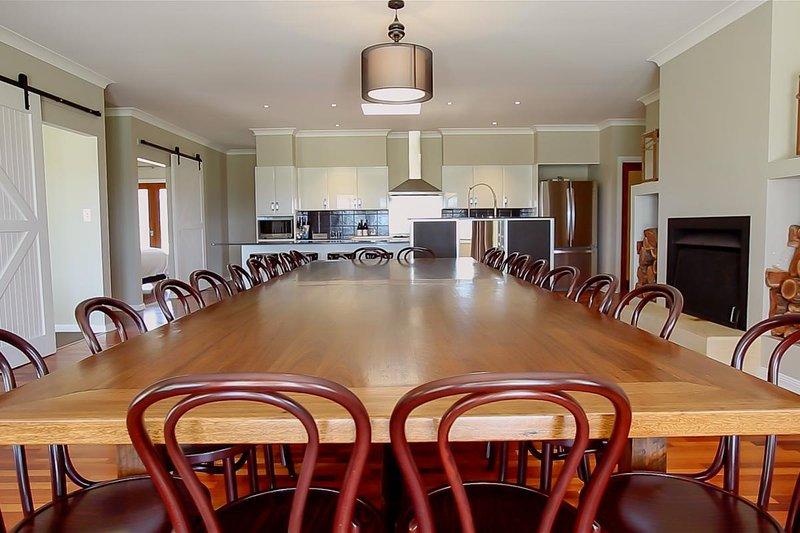Hunter Valley Accommodation - Degen Estate - Pokolbin - all