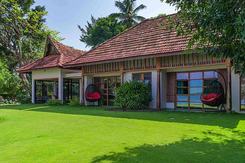Cheppanam House by Vista Rooms, holiday rental in Kumbalam