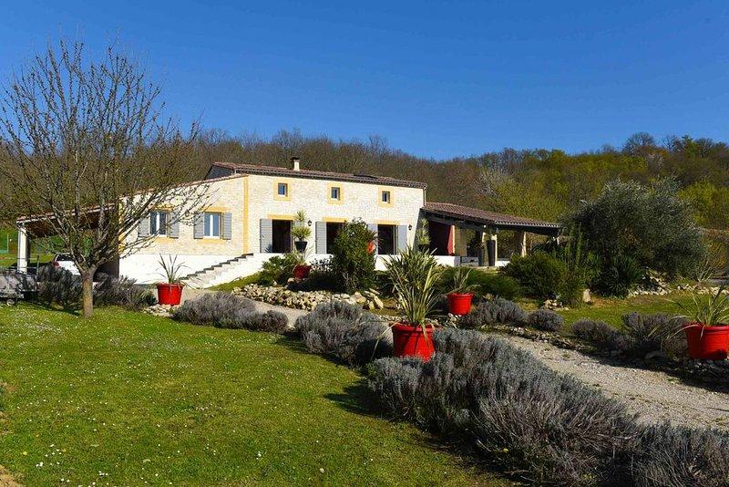 Charming house  a 5 minutes de Saint Emilion, location de vacances à Blesignac