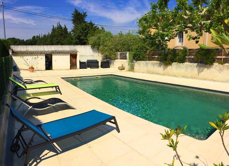 LS6-342 FRAGOUN - Beautiful rental near Avignon with pool, 4 sleeps., holiday rental in Bedarrides