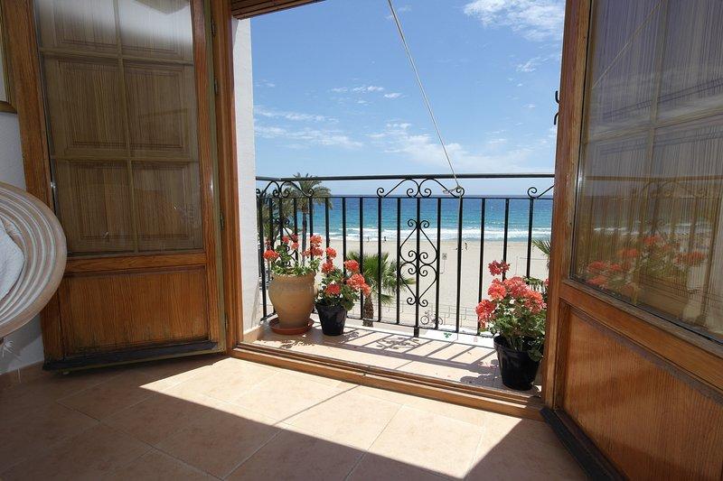 AR3B Primera línea playa en casco antiguo, location de vacances à Villajoyosa