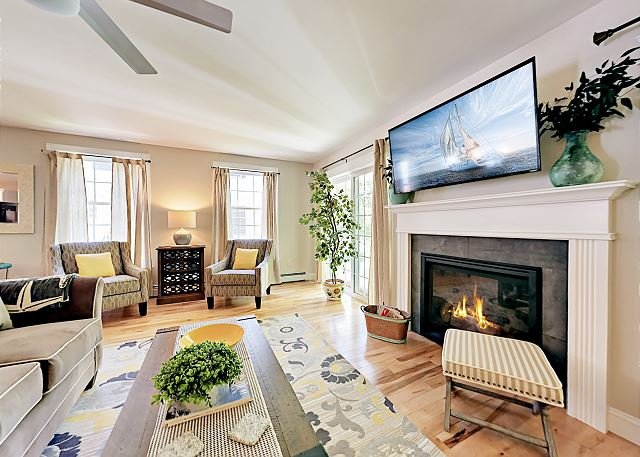 Brand-New Townhome - Close to Golf, Beach & Old Orchard Beach Pier, location de vacances à Old Orchard Beach
