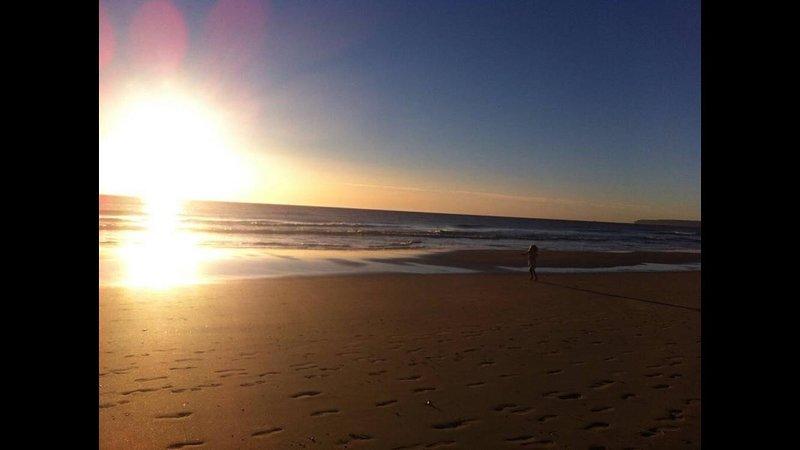 beach 2 minutes