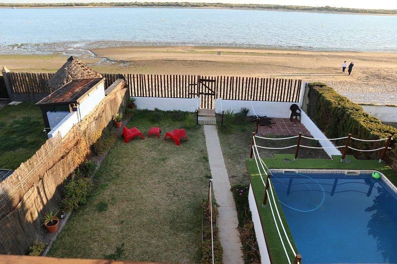 Amazing villa with swimming-pool, holiday rental in Cartaya