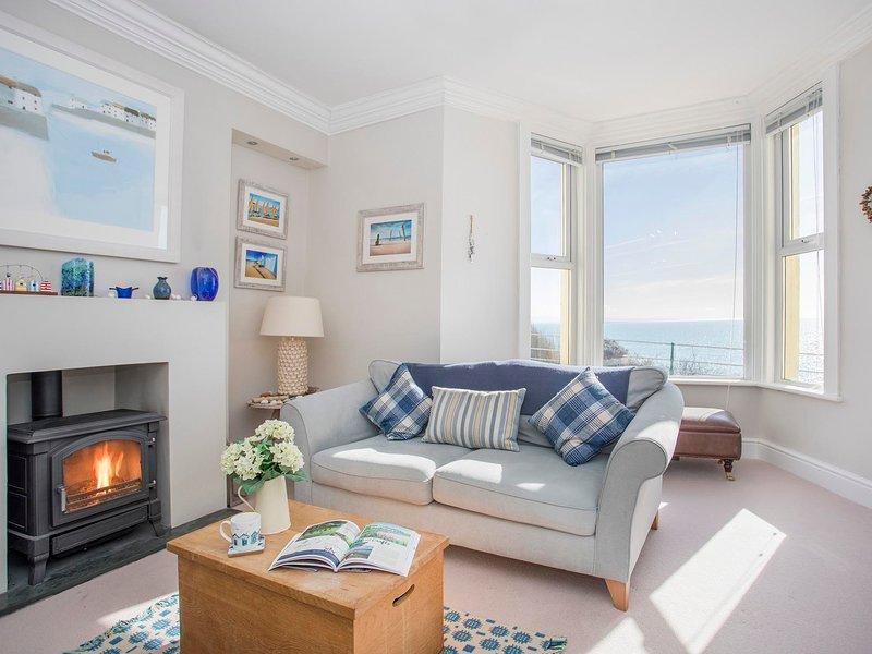 CAPTAIN'S REST, 3 Bedroom(s), Pet Friendly, Criccieth, holiday rental in Criccieth