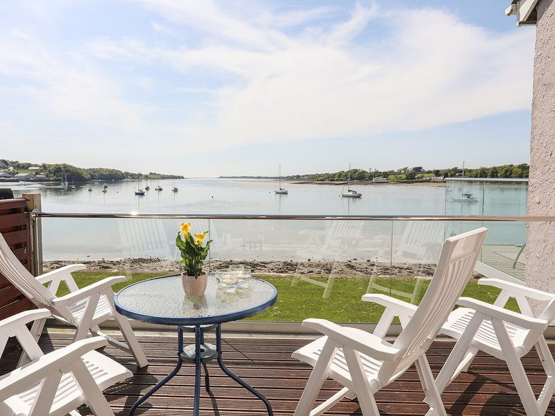 MIN Y DON, 2 Bedroom(s), Port Dinorwic, holiday rental in Y Felinheli