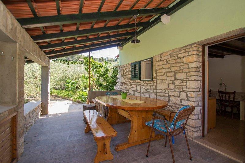 Solar Eco-friendly House Jasmina, holiday rental in Vela Luka