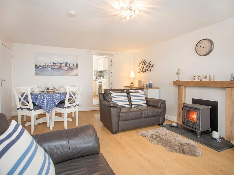 KITE COTTAGE, 2 Bedroom(s), Malltraeth, location de vacances à Aberffraw