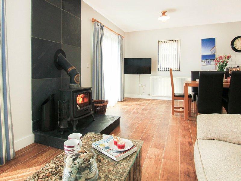 COWRIE COTTAGE, 4 Bedroom(s), Pet Friendly, Rhosneigr, vacation rental in Rhosneigr