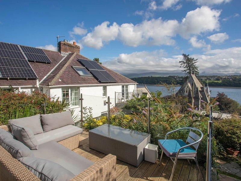 Rhianfa Cottage, Menai Bridge, holiday rental in Llandegfan