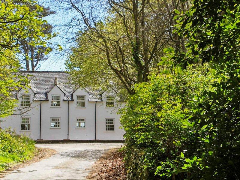 GARDEN COTTAGE - RHOSCOLYN, 2 Bedroom(s), Pet Friendly, Rhoscolyn, location de vacances à Rhoscolyn
