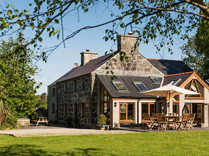 Tyddyn Morthwyl, Criccieth, holiday rental in Criccieth