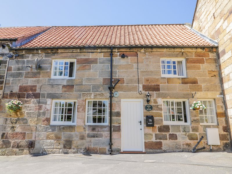 Stoney Cottage, Loftus, holiday rental in Saltburn-by-the-Sea