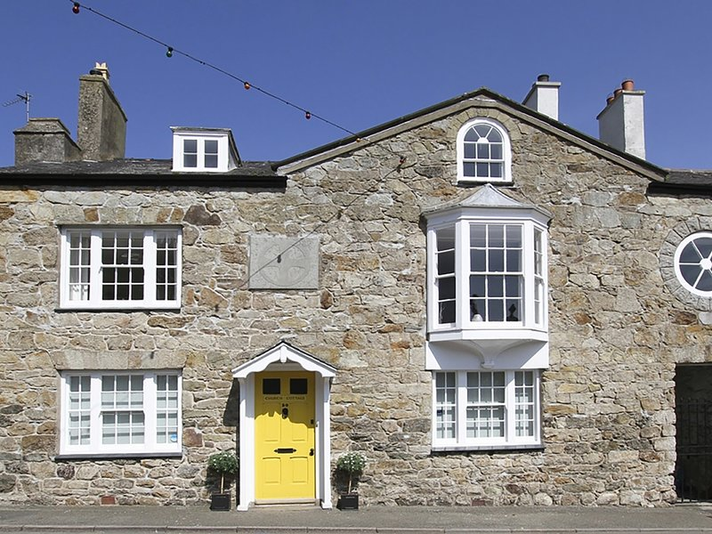 CHURCH COTTAGE, 4 Bedroom(s), Beaumaris, holiday rental in Beaumaris