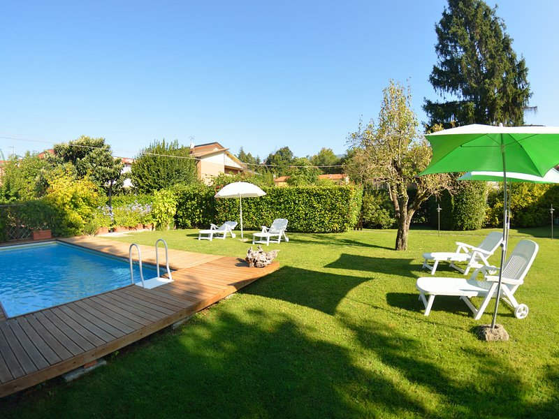 San Colombano Villa Sleeps 6 with Pool and WiFi - 5247724, alquiler vacacional en Camigliano