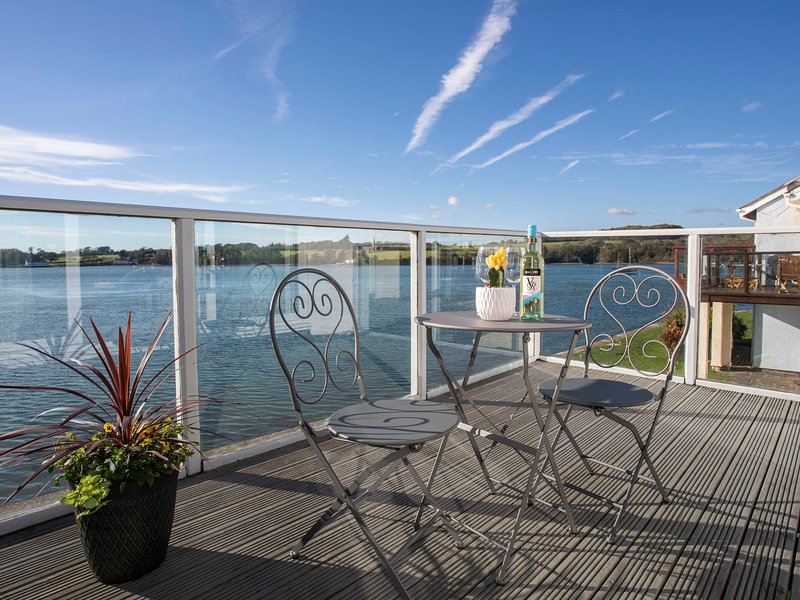 SEACLUSION, 3 Bedroom(s), Y Felinheli, holiday rental in Y Felinheli