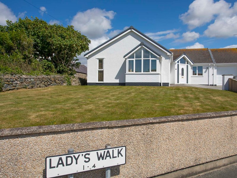 LADY'S WALK, 3 Bedroom(s), Rhosneigr, location de vacances à Aberffraw