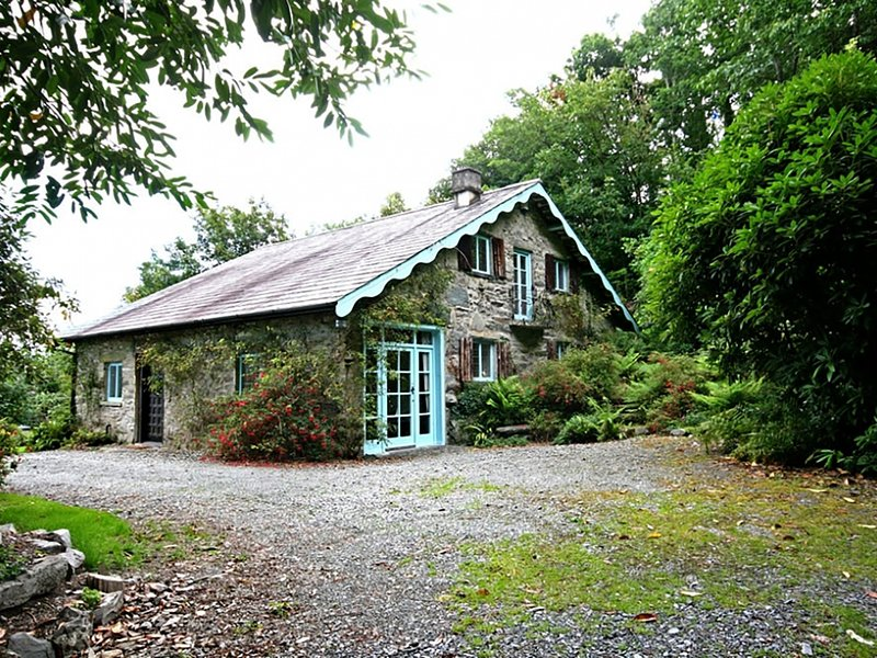 MORFA LODGE, 2 Bedroom(s), Porthmadog, holiday rental in Porthmadog