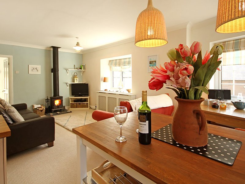 THE ARK, 3 Bedroom(s), Beaumaris, holiday rental in Beaumaris
