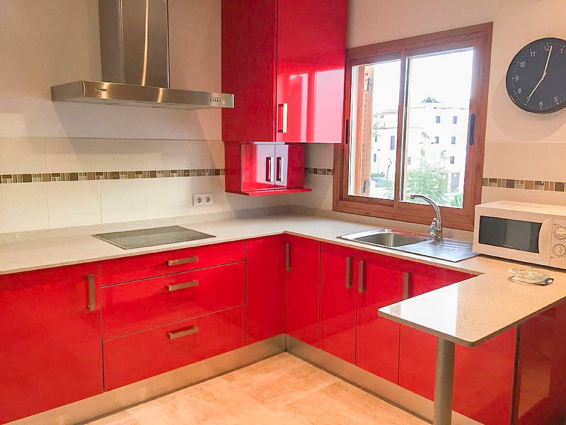 Precioso apartamento a 700 metros de la playa, alquiler de vacaciones en Novo Sancti Petri
