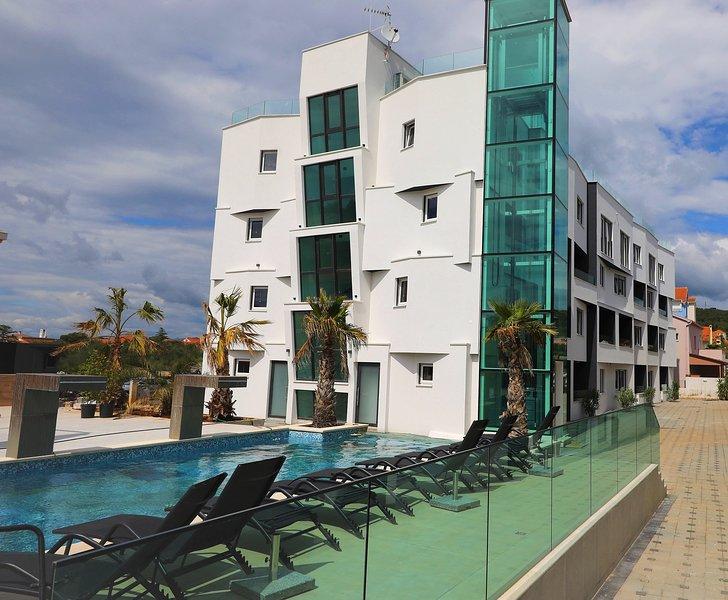 Boutique Residence Cosmopolis c2, holiday rental in Bibinje