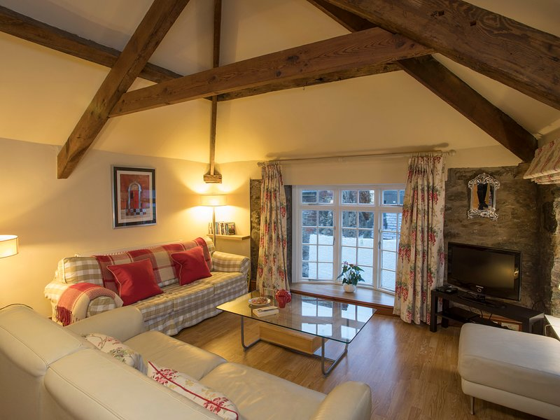 THE COACH HOUSE - BEAUMARIS, 2 Bedroom(s), Beaumaris, holiday rental in Beaumaris