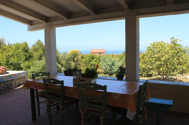 Beautiful house with sea view, holiday rental in Nulvi