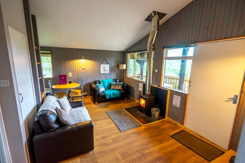 Self catering lodges above Loch Ness, holiday rental in Abriachan