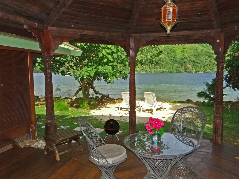 Bougainvilla - Robinson's Cove, holiday rental in Vaiare