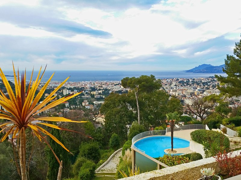 Cannes Splendid Bay View - Le Capeou, holiday rental in Le Cannet