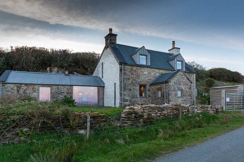 Stone Cottage Skye - Luxury & romantic. A renovated traditional Highland cottage, vacation rental in Isle of Skye