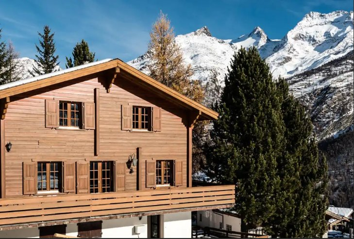4 Star Wooden Chalet Saas-Fee, location de vacances à Saas-Fee
