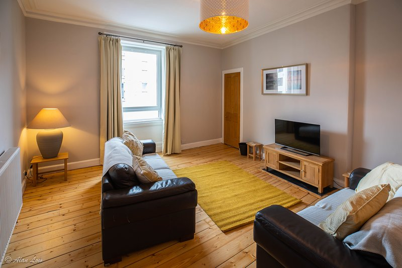 Beautiful Central Traditional 1 Bedroom Flat Has Washer And