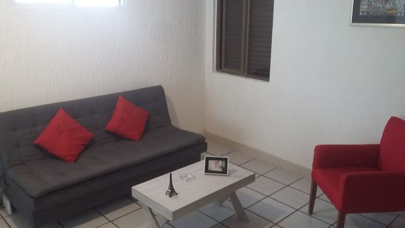 DEPARTAMENTO CENTRICO EN LEON GUANAJUATO, holiday rental in Leon