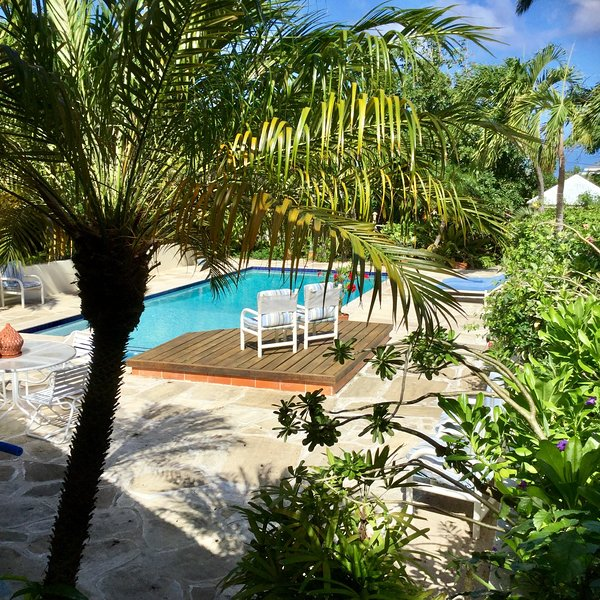 Tropical Romantic Hideaway Cottage in Antigua – semesterbostad i Antigua Och Barbuda
