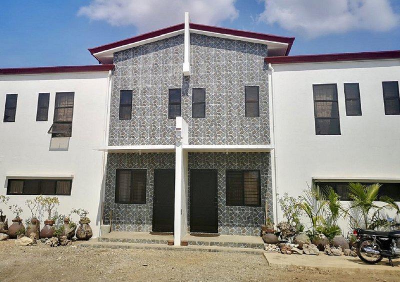 At The ALs' Place Laoag (A1), location de vacances à Ilocos Region
