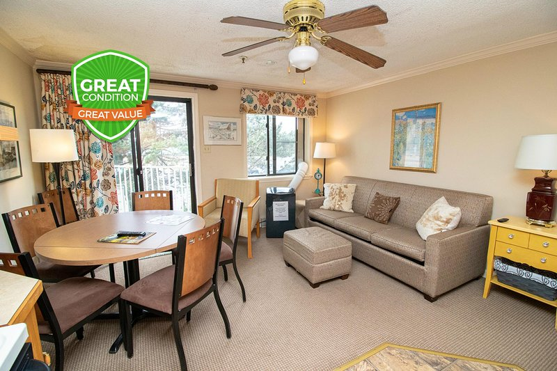 Great 4 Couples | Close to Village & Lift | Wi-Fi | Gated Parking | ML229, holiday rental in Monterey