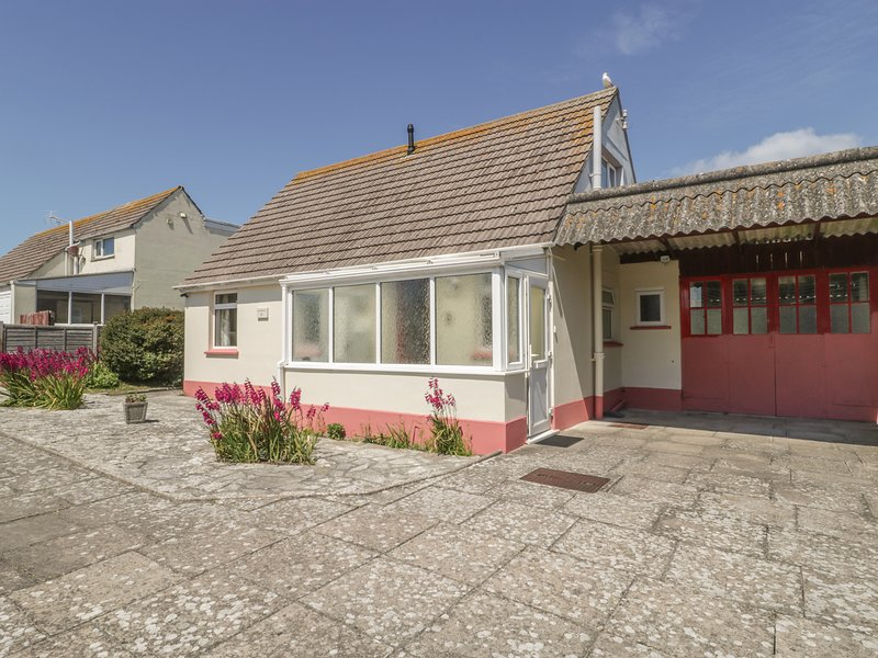 DELIMARA, WiFi, close to the coast, off road parking, detached cottage in, location de vacances à Weston