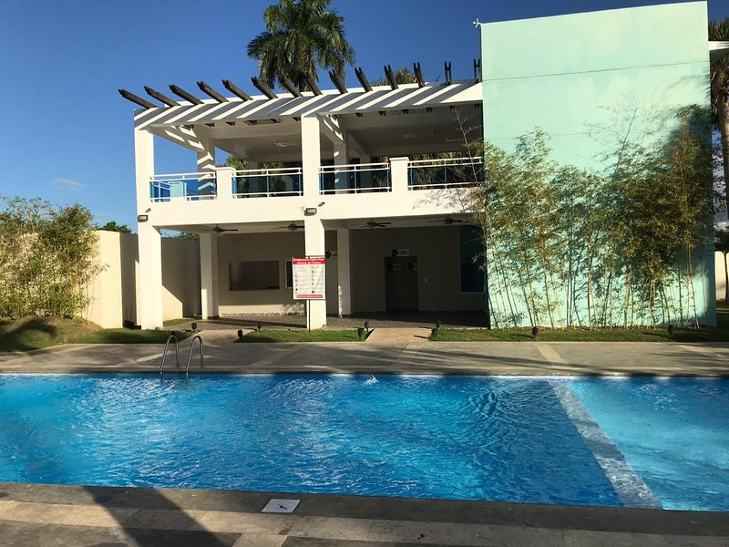 Tropical Condominium #5, Paradise 5 Minutes from Airport, holiday rental in Santiago Rodriguez Province