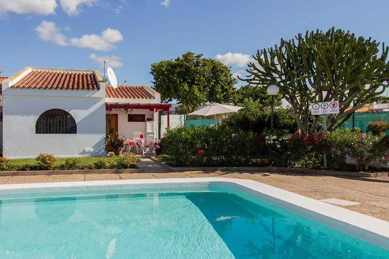 Bungalow calma piscina terraza 3hab updated 2019 - Summer house with swimming pool review ...