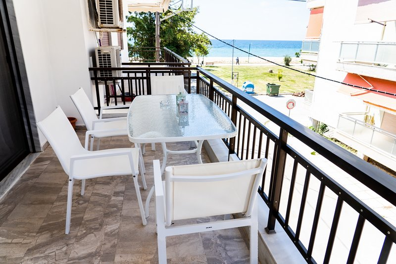 Zennova #6  Nea Plagia Beach, location de vacances à Nea Triglia
