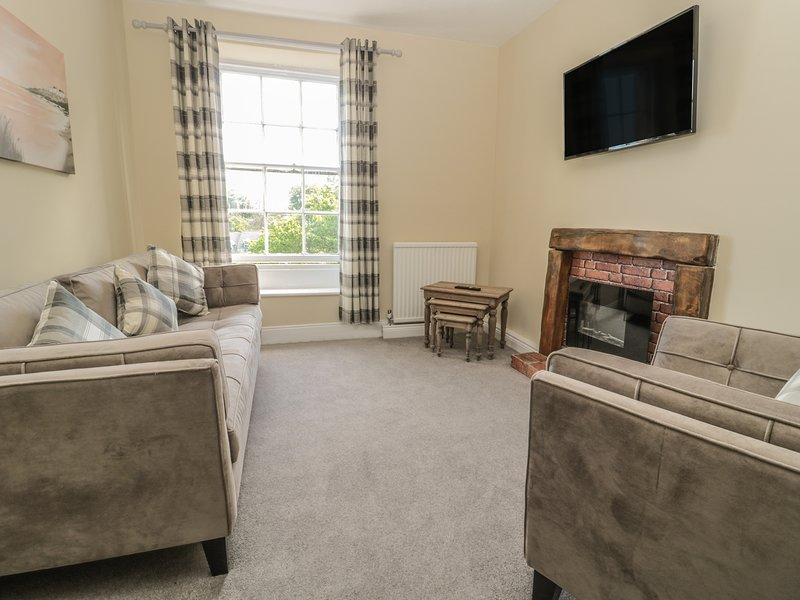 Coquet View Apartment, WiFi, superb views, in Warkworth, holiday rental in Guyzance