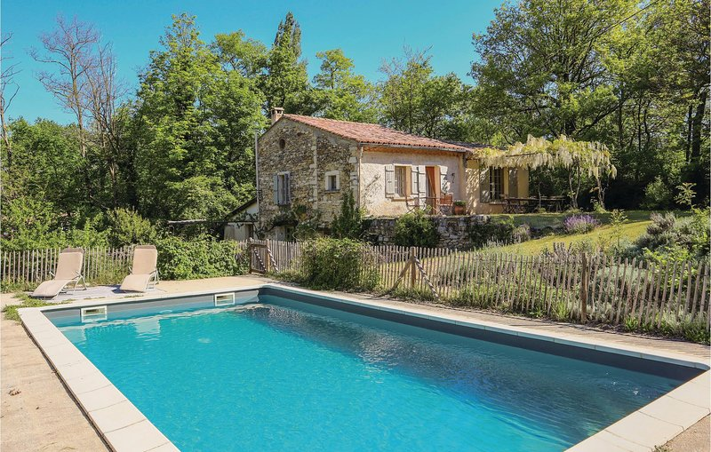 Awesome home in Le Poet Laval with Outdoor swimming pool, Outdoor swimming pool, holiday rental in Bourdeaux