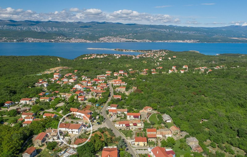 Villa Zlata and its surroundings / Villa Zlata and its surroundings