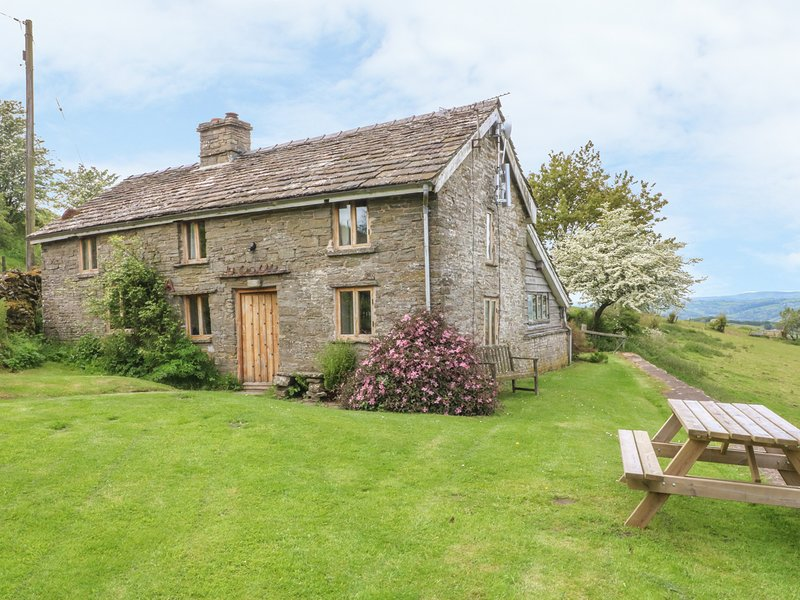 BULLENS BANK COTTAGE, 2 bedrooms, woodburner, Hay-on-Wye, alquiler de vacaciones en Hay-on-Wye