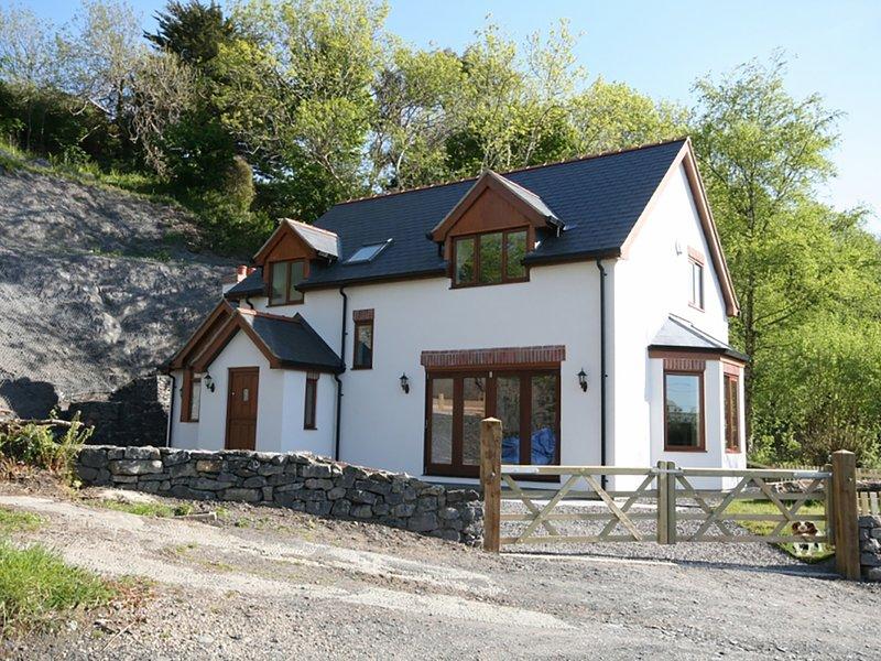 ISFRYN, 3 Bedroom(s), Pet Friendly, Pentraeth, holiday rental in Llanddona