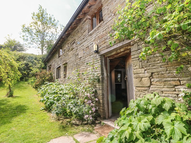 LLANGAIN FARMHOUSE, 5 bedrooms and perfect for friends and families, Hay-on-Wye, alquiler de vacaciones en Hay-on-Wye