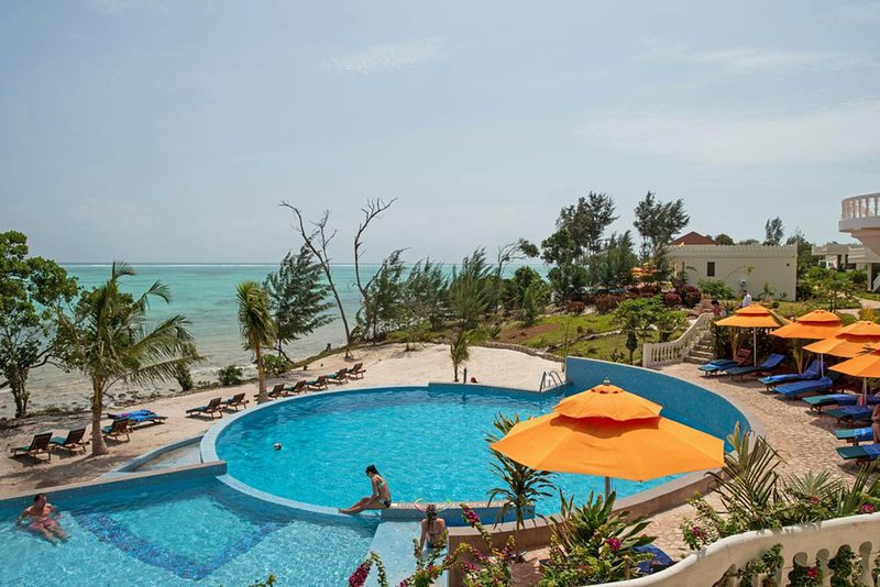 Visit Zanzibar with friends or familyand stay at this 3 bedroom flat, holiday rental in Uroa