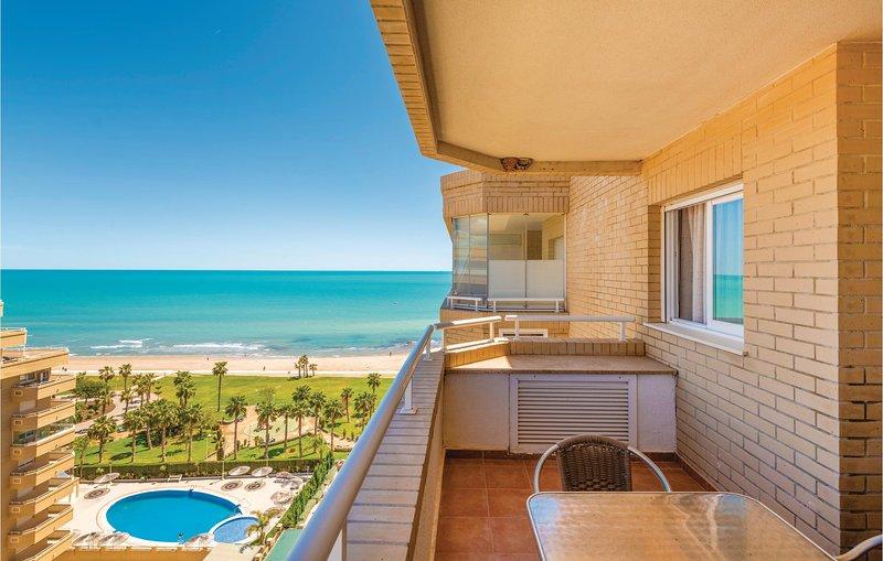 Nice apartment in Oropesa del Mar with Outdoor swimming pool, Outdoor swimming p, alquiler de vacaciones en Cabanes