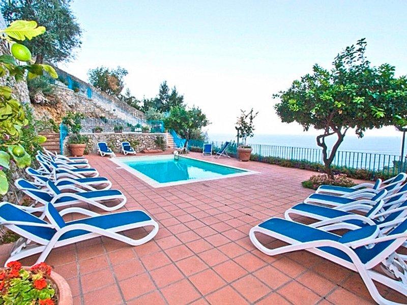 Conca dei Marini Villa Sleeps 12 with Pool Air Con and WiFi - 5248245, vacation rental in Vettica